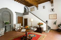 B&B Palazzo Malaspina - the imposing entrance hall