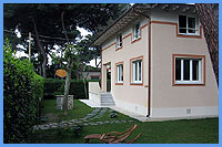 B&B Villa Flora - 150 m from the beach of Marina di Pietrasanta Versilia