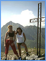 B&B Villa Flora - Claudia and a friend on Monte Croce