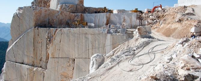 Estrazione del Marmo di Carrara - Carrara