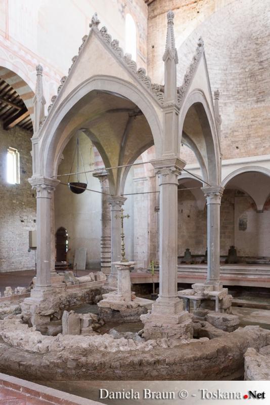 Basilica di San Pietro Apostolo - San Piero a Grado