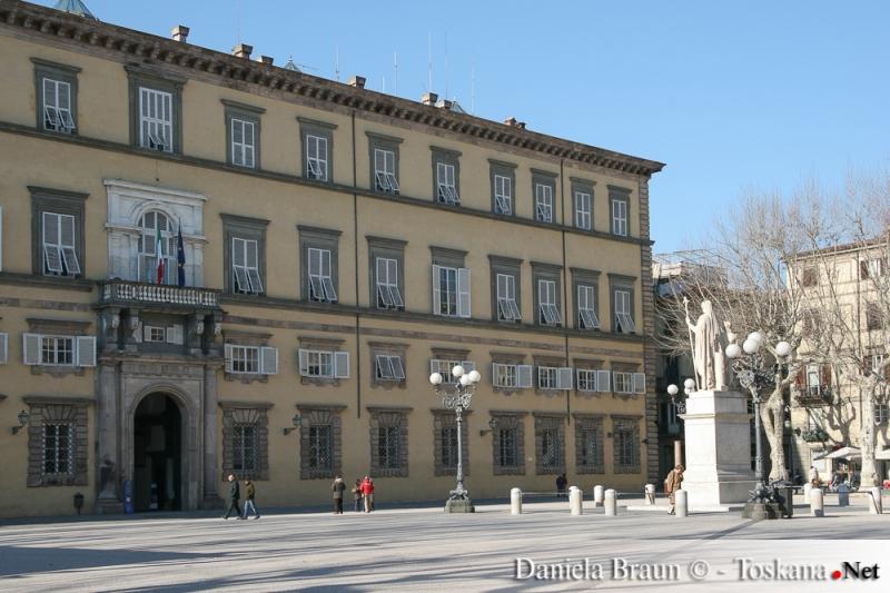 Lucca- Piazza Napoleone oder Piazza Grande