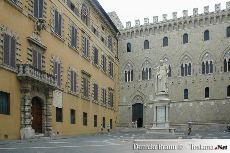 Historischer Sitz der Bank Monte dei Paschi di Siena