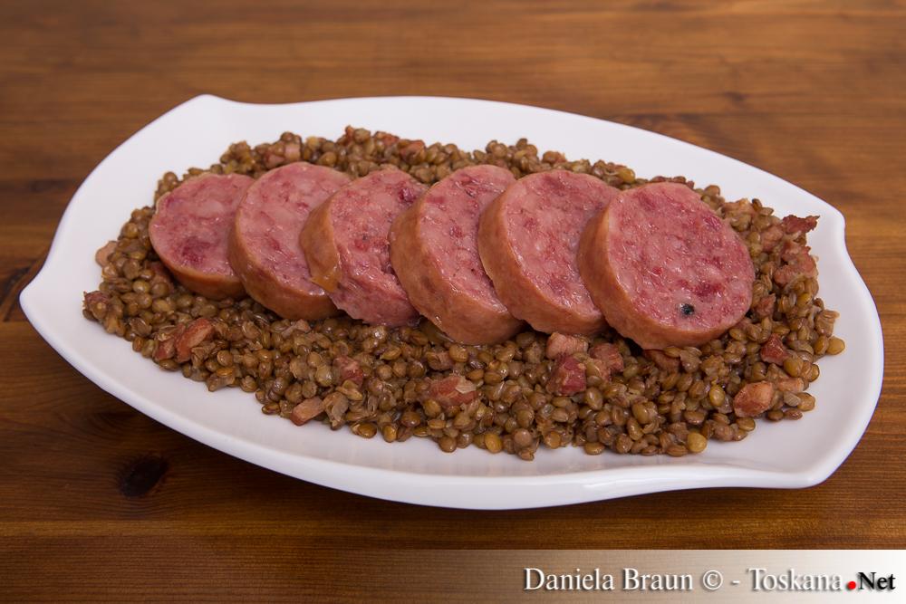 Zampone e Lenticchie - gefüllter Schweinsfuss mit Linsen