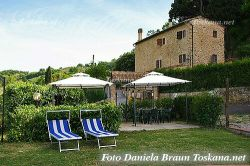 Farmhouse Apartments in beautiful panoramic position outside Volterra