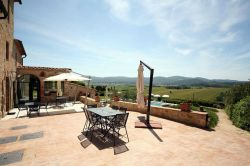 Charming Holiday Apartments with swimming pool in the countryside near Colle di Val d'Elsa Tuscany
