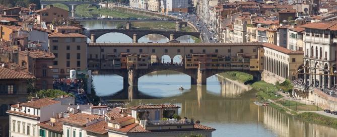 Blick auf den Pontevecchio vom Piazzale Michelangelo Florenz